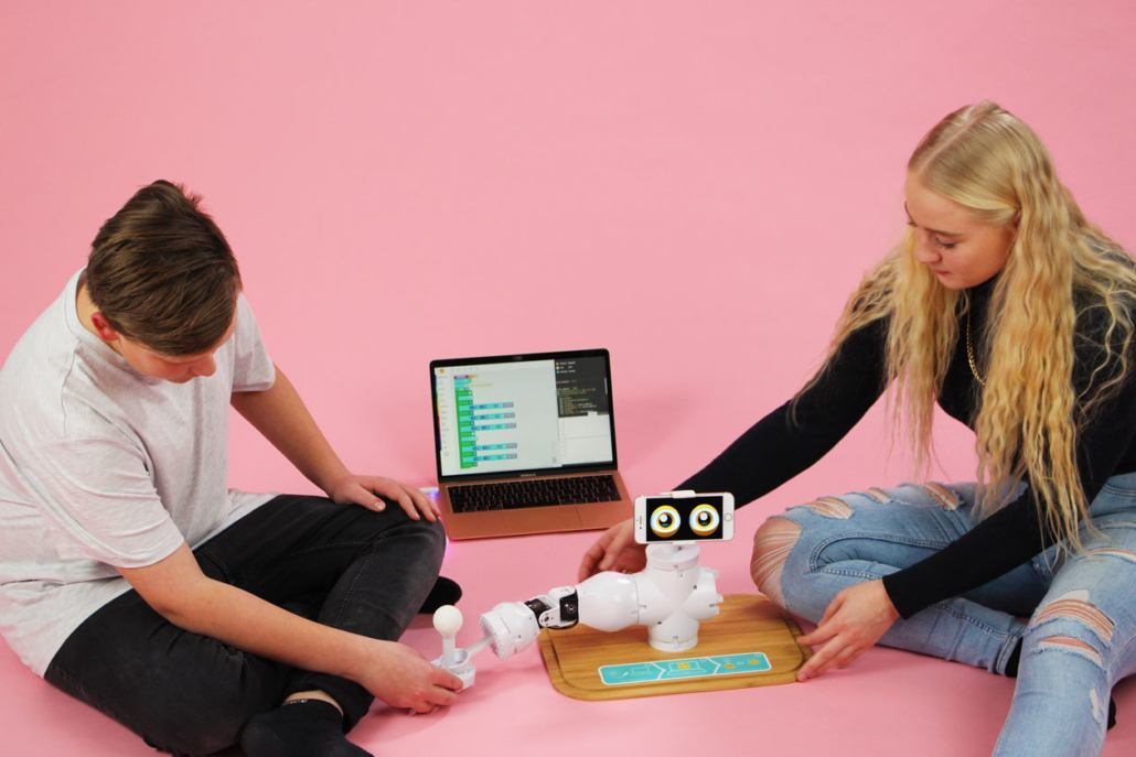 Beginner S Guide To Teaching Kids Coding Shaperobotics Com
